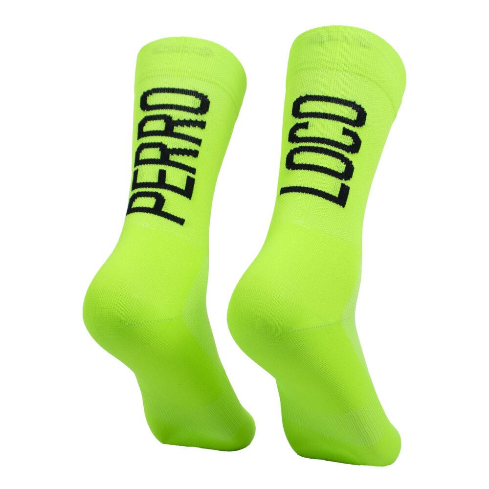 Calcetines verdes para el calor de ciclismo